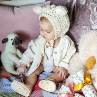 Happy Easter hope you all have a lovely day . I'm looking forward to seeing all your photos ! This little Bunny is Juniper and the gorgeous photo is from @landbeachhouse